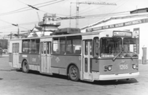 Троллейбус Зиу-12