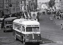 Троллейбус ЯТБ-5
