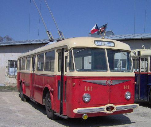 Троллейбус 8TR