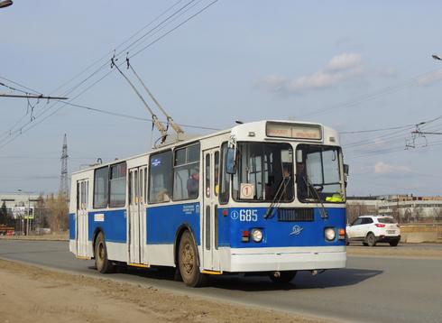 Троллейбус ZiU_682G