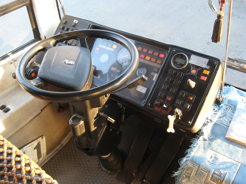 Троллейбус ЮМЗ E186