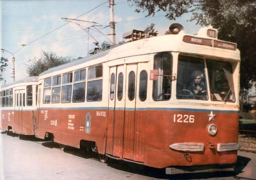 Трамвай КТМ-2